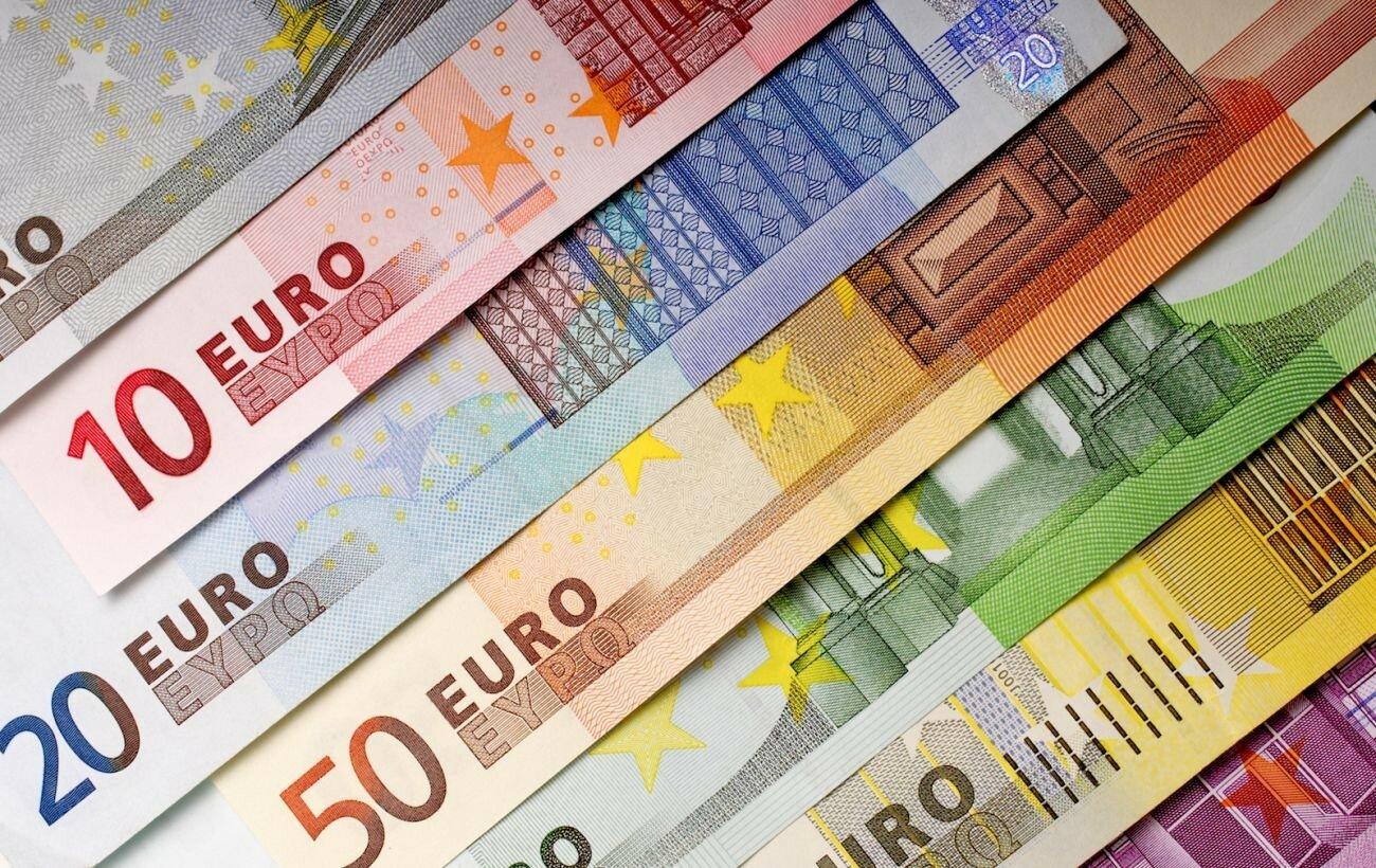 Бумажные деньги США и Европы